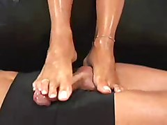 Footjob, Shoejob footjob