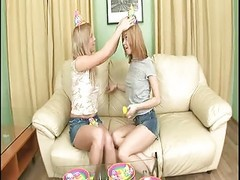 Anal, Twins, Twin sisters