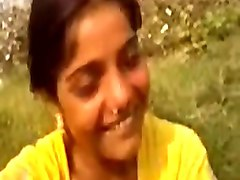 Desi village hot sex in field