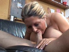 Squirt, Mature, Mature outdoor solo