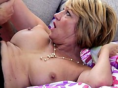 Mature mom fuck young boy