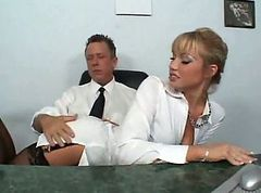 Secretary, Nylon, Czech secretaries